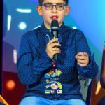 Как 11-летний мальчик с аутизмом помогает другим детям с такими же особенностями
