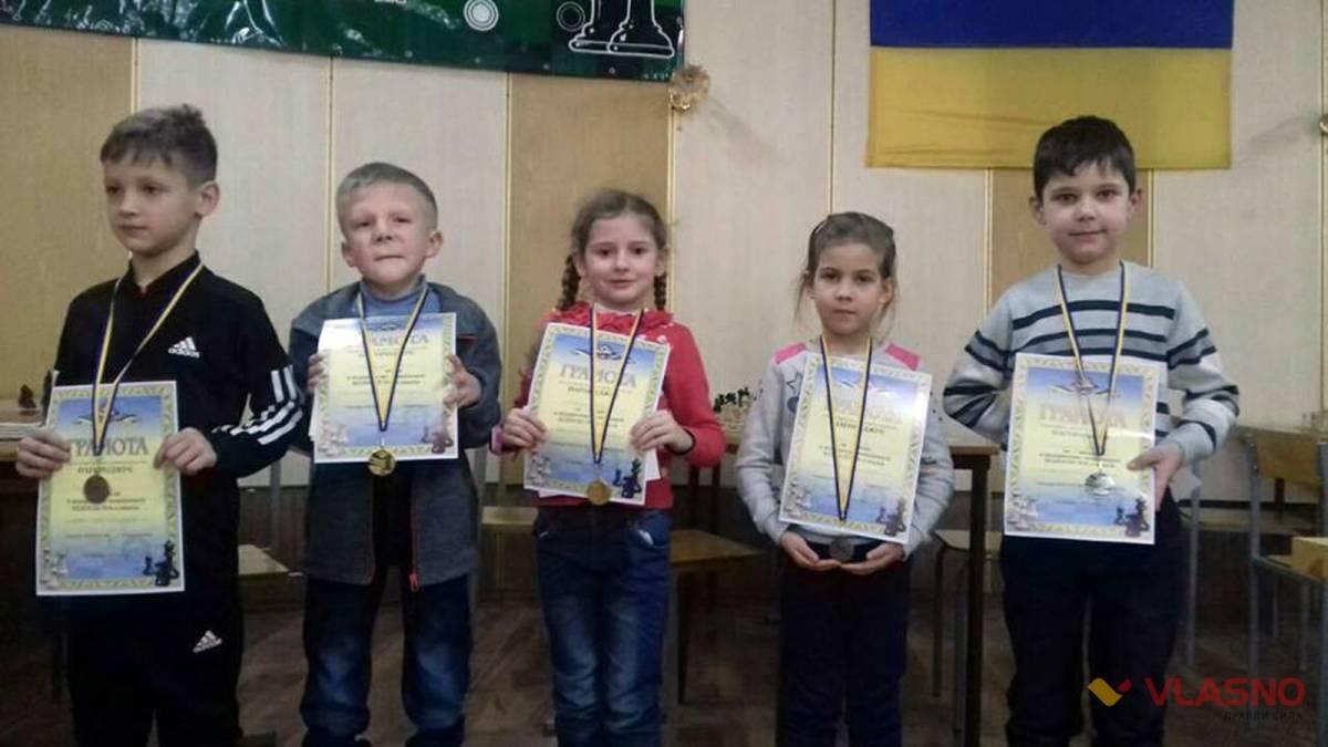 Хлопчик з особливими потребами виграв золото на шаховому турнірі у Вінниці