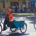 В Мариуполе велорикши помогают людям с ограниченными возможностями (ВИДЕО)