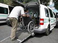 Міська влада затвердила порядок надання послуги з перевезення осіб з інвалідністю автомобілем спеціалізованого призначення