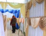 За допомогою центру зайнятості жінка з інвалідністю змогла повірити у себе. олександрія, вакансія, працевлаштування, центр зайнятості, інвалідність, curtain, indoor, furniture, hanging, clothing, textile, bedroom, bed, decorated, colorful. A bedroom with a bed and a curtain
