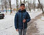 """""""Вихід є завжди. Ніщо не варто депресій"""". олексій карплюк, депресія, зір, незрячий, підтримка, tree, outdoor, snow, jacket, person, ground, clothing, human face, coat, jeans. Paul Mulders that is standing in the snow"""