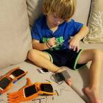 Світлина. Пятилетний американец с деформированными пальцами создает протезы для детей с такой же проблемой. Життя і особистості, протез, устройство, 3D-принтер, деформированные пальцы, Камерон Хайт