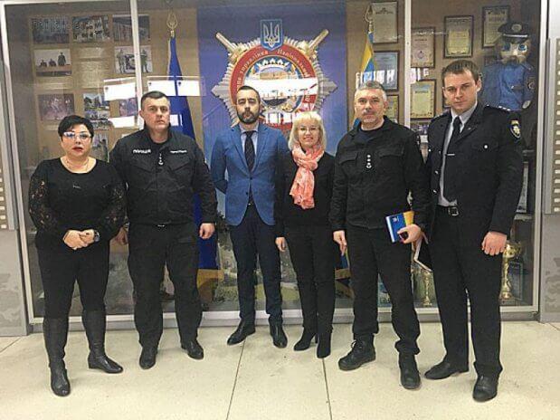 Пилотный проект. Мариупольских полицейских обучат новому для них языку (ФОТО) МАРИУПОЛЬ ИНВАЛИДНОСТЬ ПИЛОТНЫЙ ПРОЕКТ ПОЛІЦІЯ СПЕЦИАЛИСТ