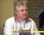 Клінінговий старт-ап (ВІДЕО). мариуполь, сергій сверчков, бизнес, старт-ап, інвалідність, person, screenshot, indoor, human face, man, clothing. A man in a yellow shirt