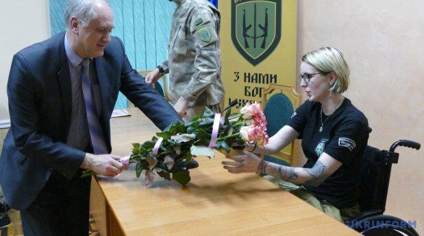 Яна Зінкевич, медик-доброволець, командир медичного батальйону «Госпітальєри»: Майже все у своєму житті повторила би знову. яна зінкевич, аварія, медик-доброволець, травма, інвалідність
