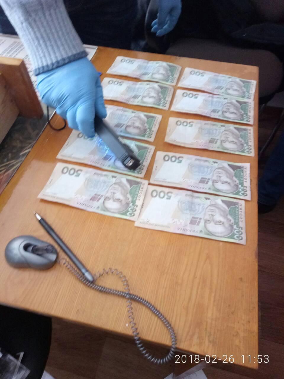 На Вінниччині викрито медиків під час отримання 8 тис гривень неправомірної вигоди