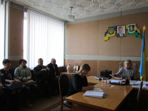 Відбулося засідання районного комітету доступності інвалідів та інших маломобільних груп населення. радомишль, доступність, засідання, звернення, кнопка виклику