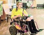 """""""П'ять років сидів у чотирьох стінах, спілкувався лише з мамою"""". лілія юрків, концерт, щеплення, інвалідний візок, інвалідність, ground, person, lawn mower, clothing. A woman sitting on a motorcycle"""