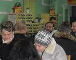 У Павлограді відбувся турнір для спортсменів-інтелектуалів, що мають вади здоров`я. павлоград, змагання, спортсмен, інвалідність, інтелектуальна гра, person, human face, clothing, indoor, man, people, woman, group, crowd. A group of people sitting at a table