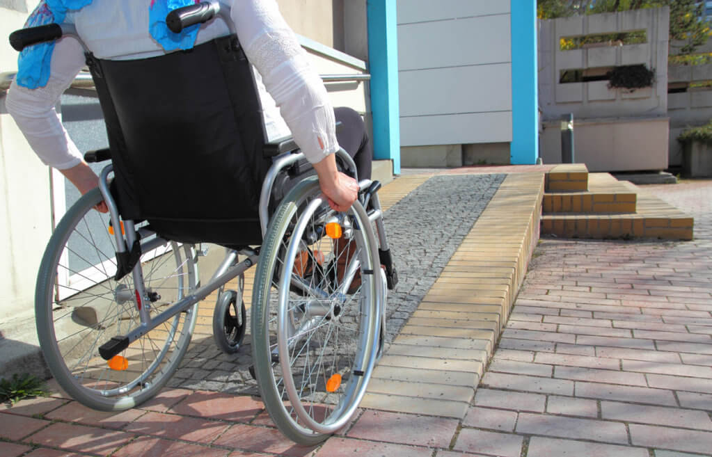 Громадський бюджет – для людей з інвалідністю. громадський бюджет, київ, проект, інвалідність, інклюзія, bicycle, ground, outdoor, wheel, bicycle wheel, land vehicle, vehicle, bike, tire, sidewalk. A person sitting on a bicycle