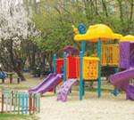 Спеціалізованим ігровим обладнанням для дітей з особливими потребами планується обладнати 13 дитячих майданчиків