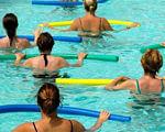 Запоріжанкам допомагають пройти реабілітацію після онкозахворювань. запоріжжя, басейн, мастектомія, онкологія, інвалідність, water, person, pool, swimming pool, sport, swimwear, swimming, ocean, girl, people. A group of people swimming in a pool of water