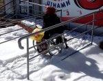 Недоступный Краматорск: город не готов к прогулкам на инвалидной коляске. краматорськ, доступность, инвалидность, пандус, транспорт, snow, outdoor, transport. A man that is standing in the snow