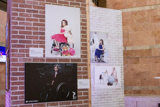"""""""Нескорена краса"""" на Суспільному – експозиція, яка покликана зруйнувати стереотипи про жінок з інвалідністю. київ, оксана кононець, проект нескорена краса, інвалідність, інклюзивність"""