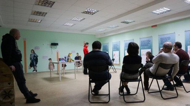 «Театр – це приклад для суспільства, що люди з інвалідністю – повноцінні» – режисер Євген П'янков (ФОТО, ВІДЕО) АКТОР СУСПІЛЬСТВО ТЕАТР ПОСОХ ІНВАЛІДНІСТЬ ІНКЛЮЗИВНИЙ