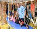 У Бердянську буде реалізовано проект надання допомоги особам з інвалідністю віком від 18 років. бердянськ, допомога, конкурс, проект, інвалідність, playground, cage, person, ball, net. A group of people in a cage