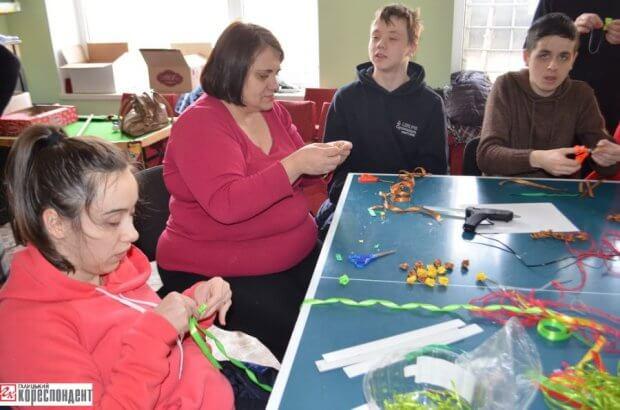 Над прірвою інвалідності КАЛУШ КАРІТАС ВІЗОЧНИК СУСПІЛЬСТВО ІНВАЛІДНІСТЬ