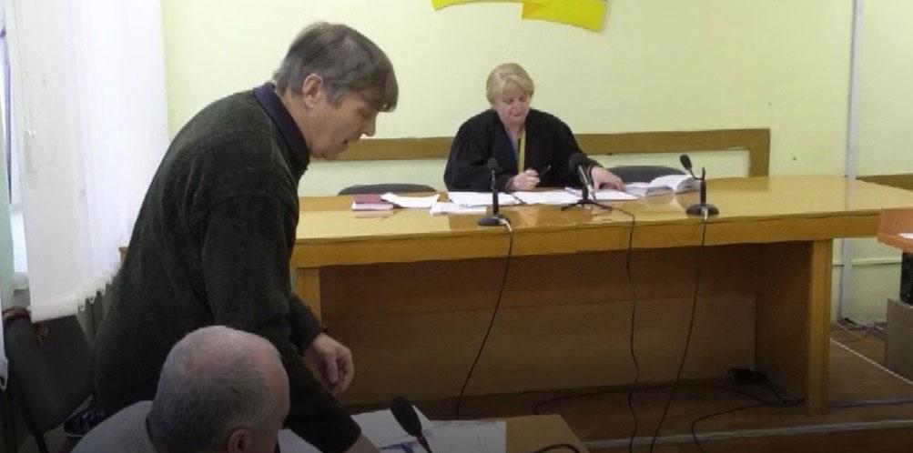 Чернігівець відсудив 2 тисячі гривень у перевізника через відмову везти його безкоштовно за пільговим посвідченням інваліда (ВІДЕО)