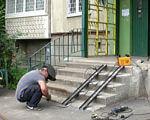 Харків – місто рівних можливостей (ВІДЕО). харків, инвалидность, особливими потребами, соціальна робота, територіальна громада, building, person, clothing, ladder, blue-collar worker, composite material. A man sitting on a bench in front of a building