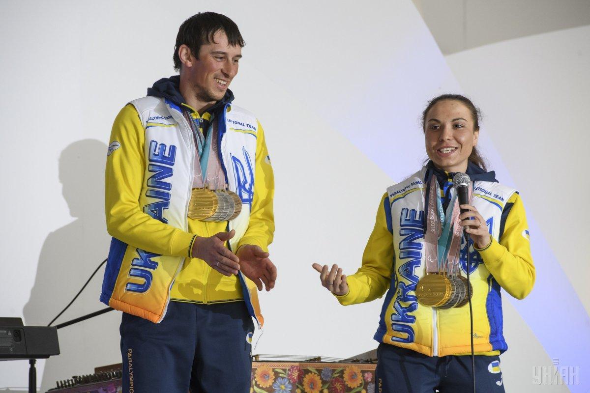 Українські чемпіони і призери-паралімпійці повернулися додому з Пхенчхана (ФОТОГАЛЕРЕЯ, ВІДЕО)