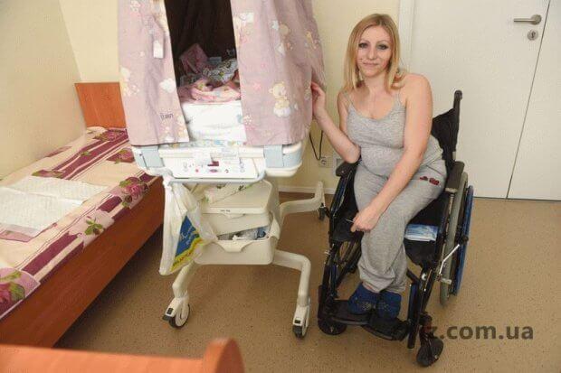 В Запорожье приняли уникальные роды. запорожье, татьяна грицаенко, инвалидная коляска, роды, хрустальная болезнь
