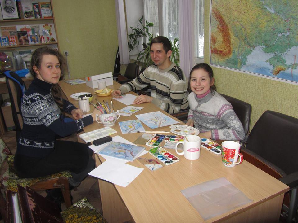 Товариство інвалідів допомагає переселенцям