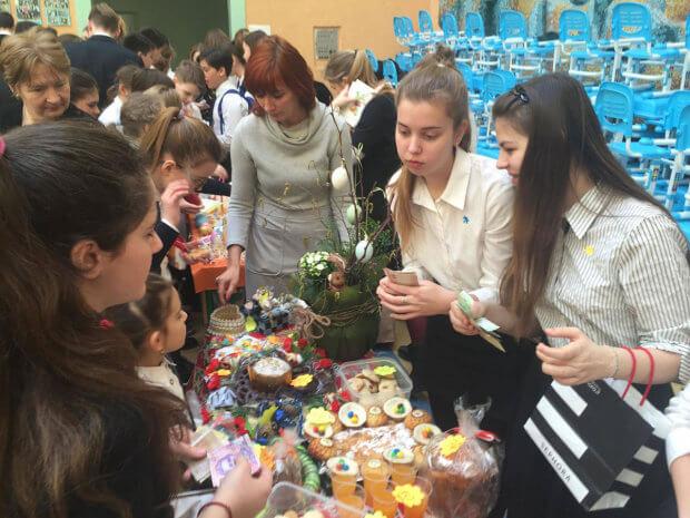 Прес-реліз: Столичні школярі на підтримку дітей з аутизмом влаштували ярмарок. київ, студія соціалізації, аутизм, толерантність, ярмарок