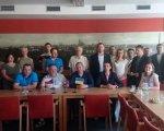 Закарпатці прийняли участь в міжнародному семінарі в Чехії. чехія, допомога, семінар, співробітництво, інвалід, person, indoor, table, clothing, smile, man, floor, human face, furniture, woman. A group of people sitting at a table