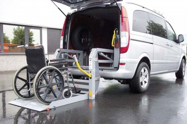 """Тернополем починає курсувати """"соціальне таксі"""" для людей з інвалідністю. тернопіль, пересування, підйомник, соціальне таксі, інвалідність"""