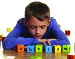 2 квітня — Всесвітній День розповсюдження знань про аутизм. адаптація, аутизм, діагноз, реабілітація, розлад, indoor, person, boy, computer, games. A man sitting on a table