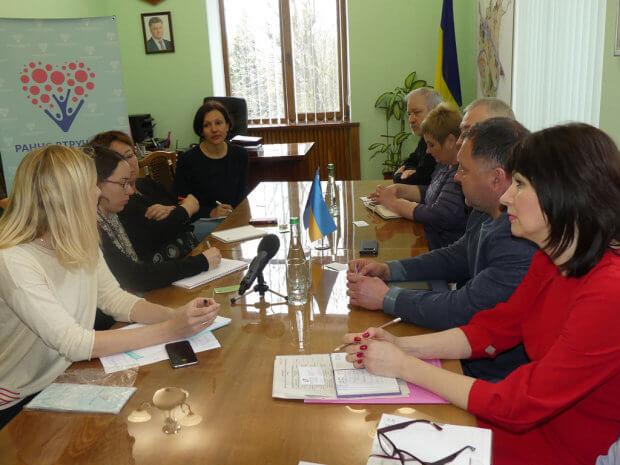 У мерії відбулася зустріч з іноземними експертами проекту Євросоюзу «Twinning». лозова, проект twinning, раннє втручання, реабілітація, інвалідність