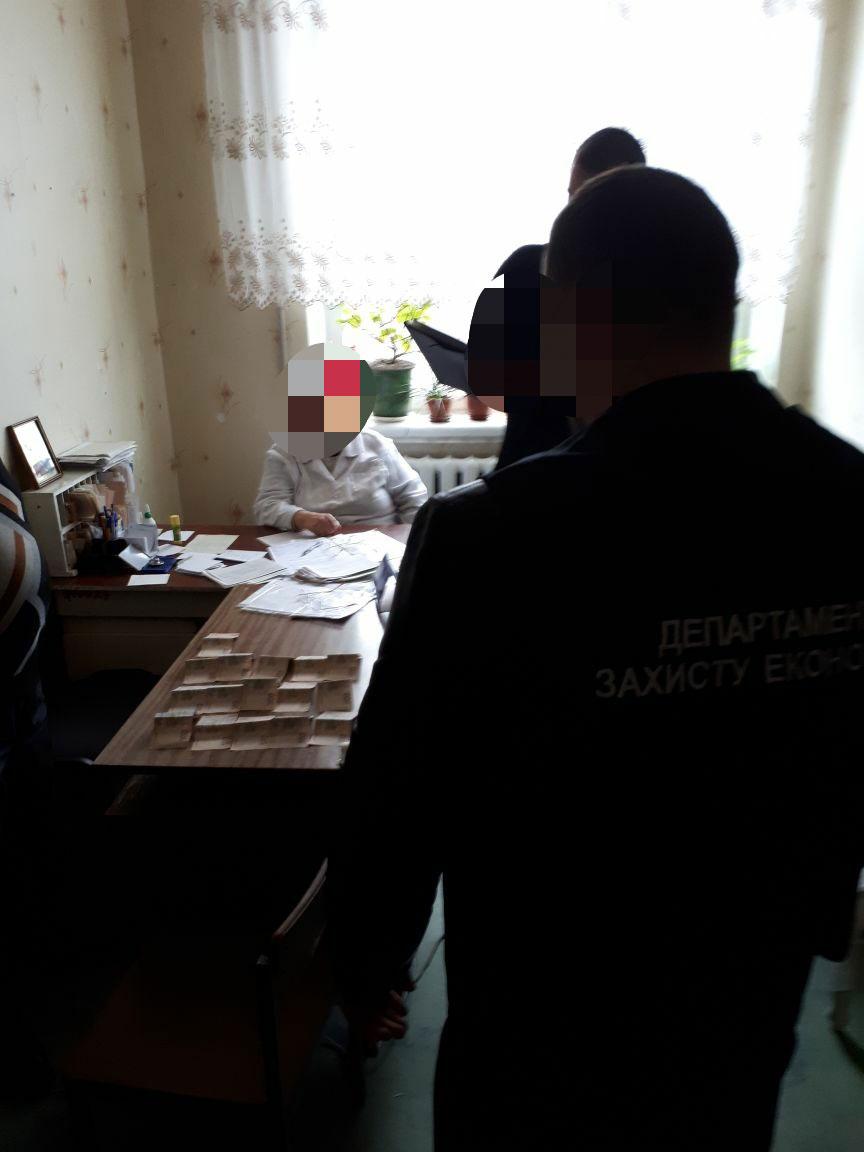 У Костянтинівці лікаря викрито в отриманні неправомірної вигоди (ФОТО)