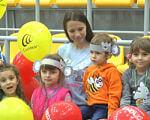 На Полтавщині 33 дитини чують завдяки кохлеарному апарату (ВІДЕО). полтавщина, адаптація, кохлеарний імплант, порушення слуху, суспільство, person, toddler, human face, clothing, child, baby, smile, boy, balloon, toy. Connor Gibbs et al. posing for the camera