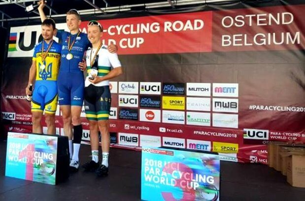 Срібна нагорода України на паралімпійському кубкові світу з велогонок на шосе. єгор дементьєв, кубок світу, велогонка, медаль, спортсмен