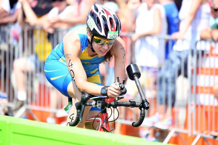 Паратриатлоністки з України вибороли золото та бронзу кубку світу