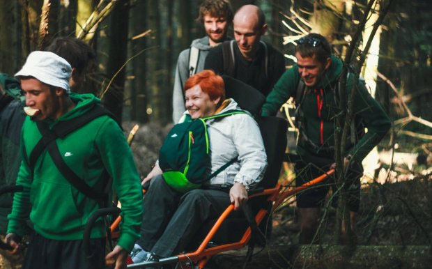 Гори без обмежень: у Львові волонтери організовують надихаючі мандрівки для людей з інвалідністю. львів, волонтер, команда on 3 wheels, мандрівка, інвалідність