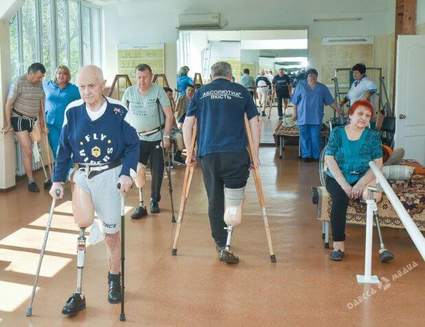 Возвращение к жизни: где в Одессе ставят на ноги людей с инвалидностью. одесса, инвалидность, пациент, протезирование, протезно-ортопедическое предприятие