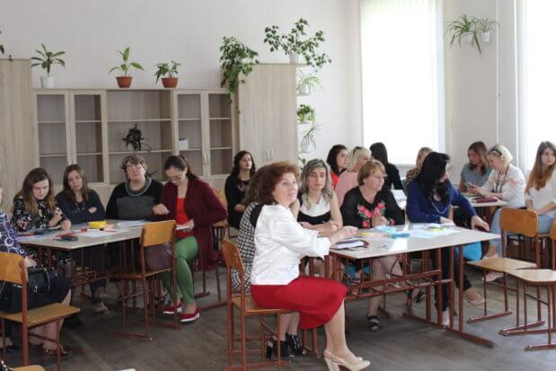 У Нововолинську обговорили шляхи розвитку інклюзивної освіти в місті. нововолинськ, особливими освітніми потребами, тренинг, інклюзивна освіта, інклюзія