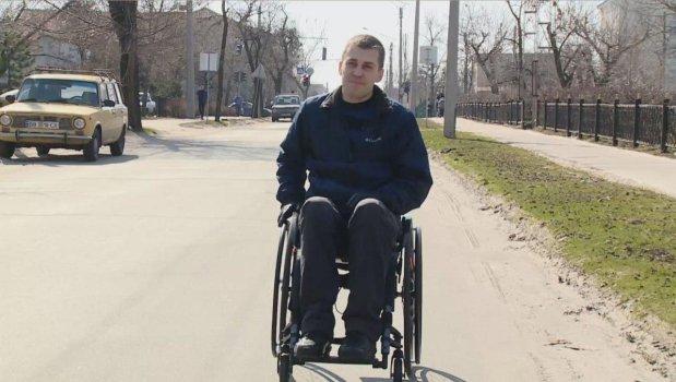 Подолати бар'єр: Як переселенець у Сєвєродонецьку допомагає створювати привілеї людям з інвалідністю. микола надулічний, сєвєродонецьк, переселенец, проект, інвалідність