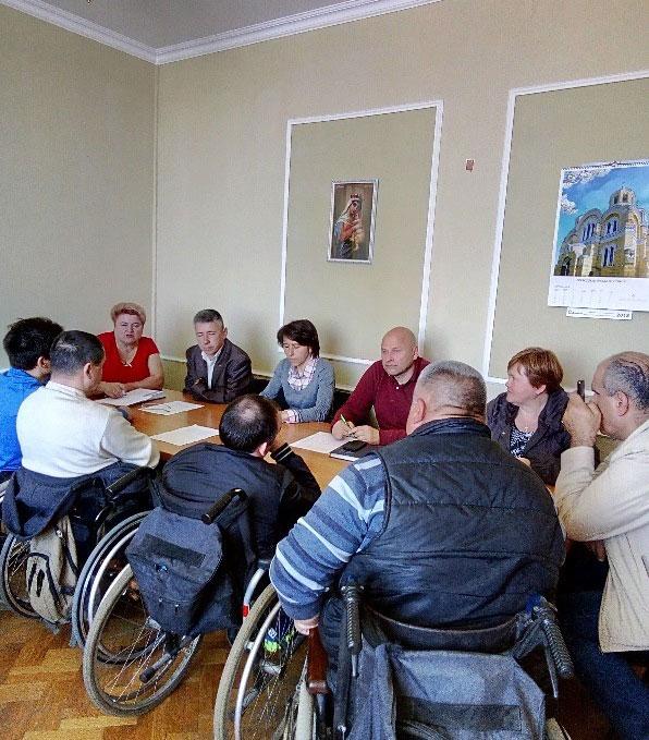 У Сумах опрацьовували створення доступного середовища для осіб з інвалідністю