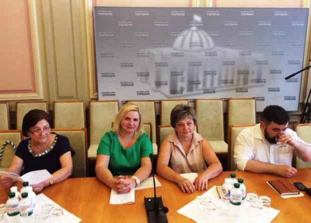 Представники Івано-Франківщини взяли участь в обговоренні проблеми поширення цукрового діабету. круглий стіл, обговорення, резолюція, цукровий діабет, інвалідність