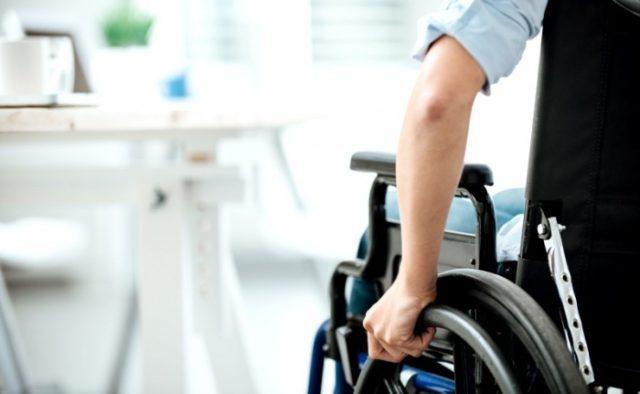 Субсидії інвалідам – як держава допомагає людям з обмеженими можливостями. держава, допомога, підтримка, субсидія, інвалідність, person, sport, wheel, exercise device, wheelchair, tire, exercise equipment