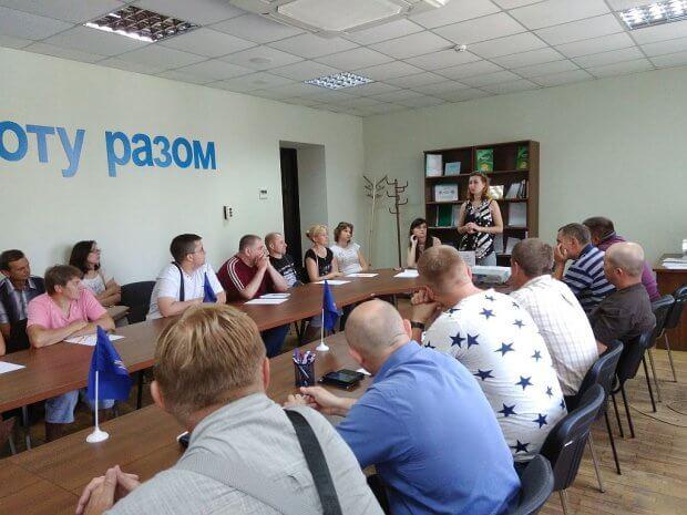 У Тернополі ТОВ «Амако Україна» та «АЛС ВЕСТ» пропонували роботу, у тому числі й особам з інвалідністю. тов алс вест, тов амако україна, тернопіль, міні-ярмарок вакансій, центр зайнятості