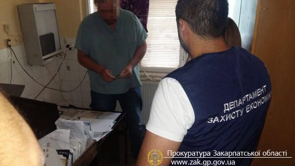 В Мукачеві затримано завідуючого травматологічним кабінетом районної лікарні, який вимагав 400 дол США (ФОТО)