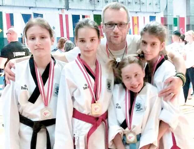 Дві золоті і дві срібні медалі здобули в Австрії спортсменки з ДЦП із Ладижина. дцп, паратхеквондо, спортсмен, турнір, чемпіонат austria open poomsae g1