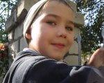 «Мальчик вырос и, как и обычный ребенок, хочет свободы». пмпк, аутизм, діагноз, коррекция, поведение, tree, person, outdoor, human face, clothing, smile, boy, face, toddler, close. A close up of a boy