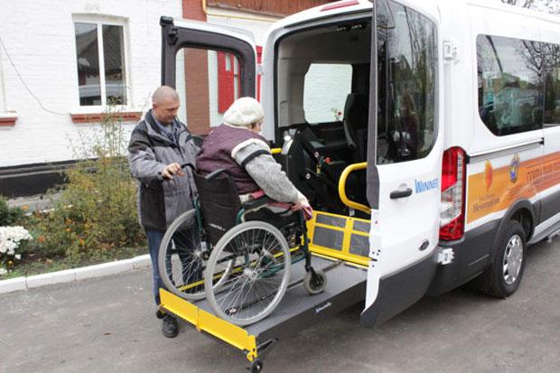 Світ без обмежень: в Умані реалізують проект для комфортизації життя людей з інвалідністю. умань, зустріч, перевезення, проект, інвалідність