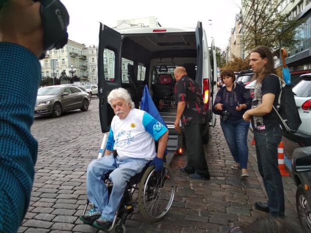 Подорож на інвалідному візку: як киянин об'їхав весь світ. микола подрезан, мандрівник, подорож, проект, інвалідний візок