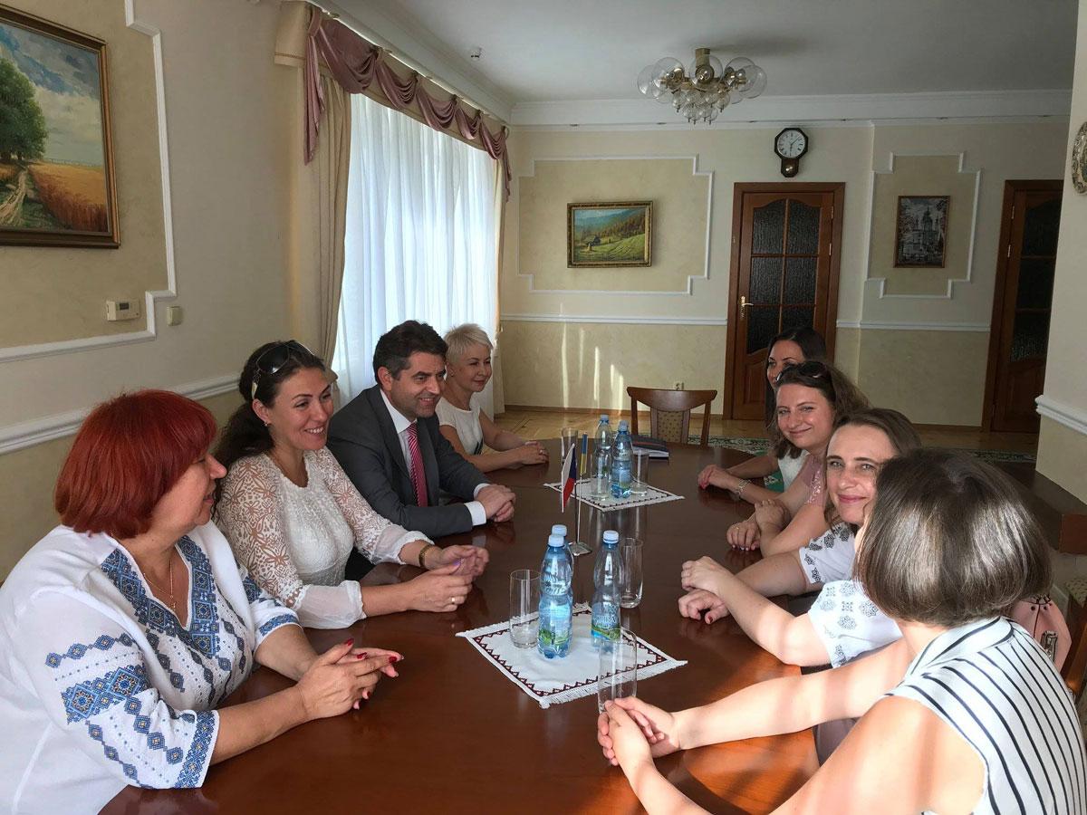 Обмін досвідом та підготовка вчителів: 6 українських фахівців з інклюзивної освіти відвідали Чехію